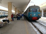 catania attesa partenza treno 3888 in ritardo .jpg